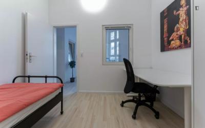 Attractive single bedroom in residential Schöneberg
