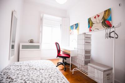 Charming single bedroom with external entrance in popular Alameda