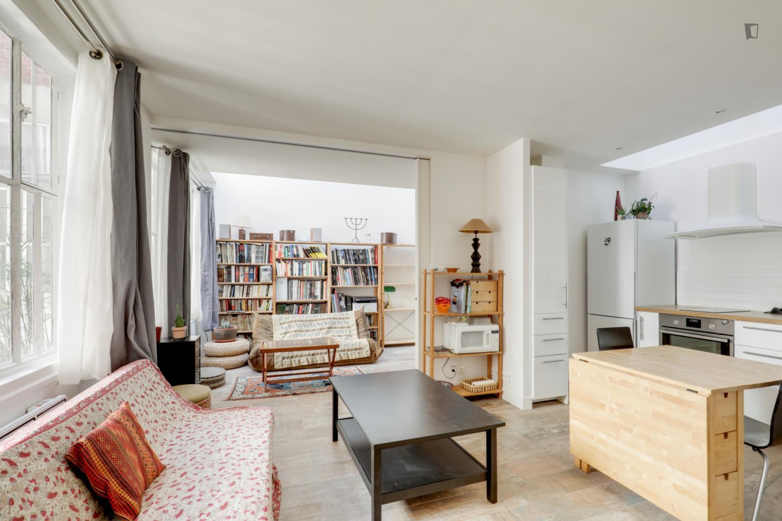 Rue de la Folie Méricourt, 11th arrondissement of Paris, FR-75 - 2,100 EUR/ month