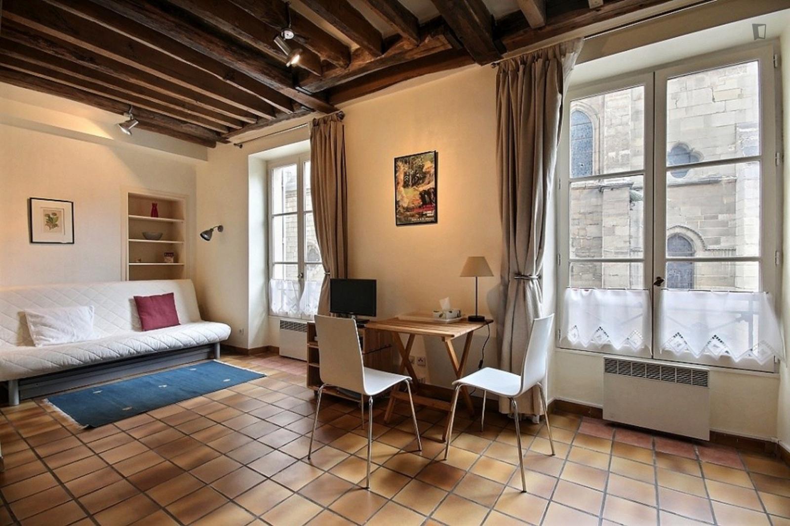 rue des Pretres Saint Severin, 5th arrondissement of Paris, FR-75 - 1,378 EUR/ month